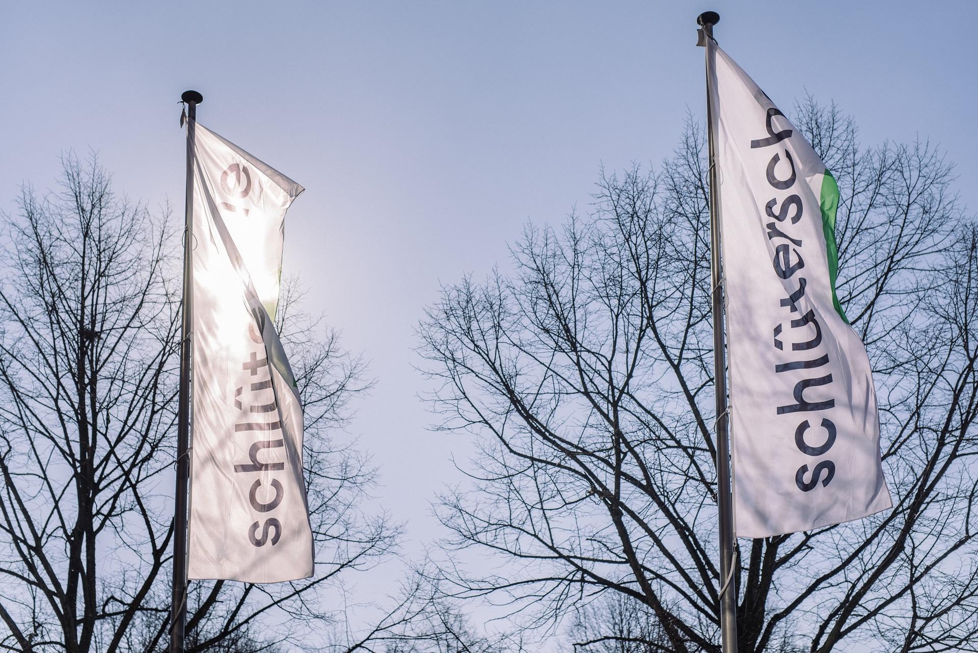 Die Flaggen der Schlüterschen.