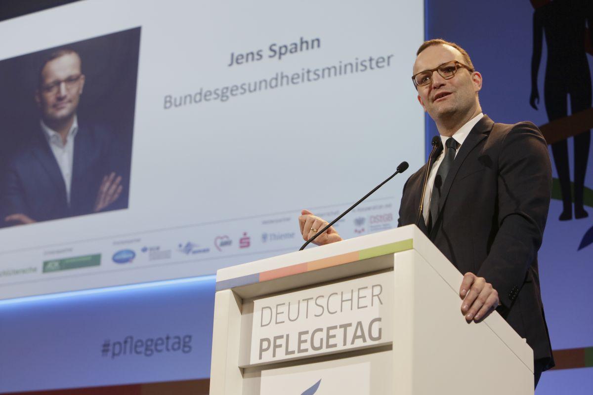 Bundesgesundheitsminister Jens Spahn spicht beim Deutschen Pflegetag