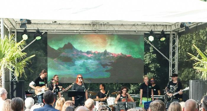 Die Band der schlüterschen beim Sommerfest